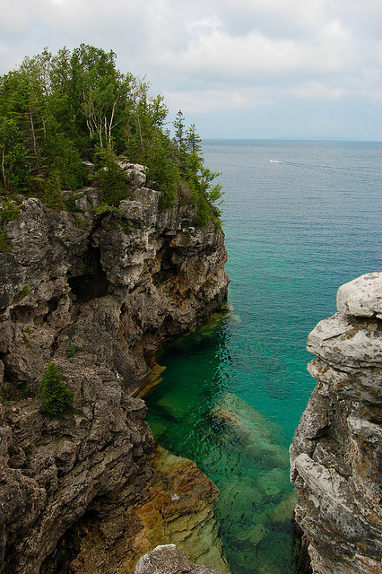 Rocky shores of Lake Huron at Bruce Peninsula National Park, Canada